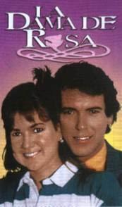 La dama de rosa, una de las pocas telenovelas donde los protagonistas no quedan juntos al final...